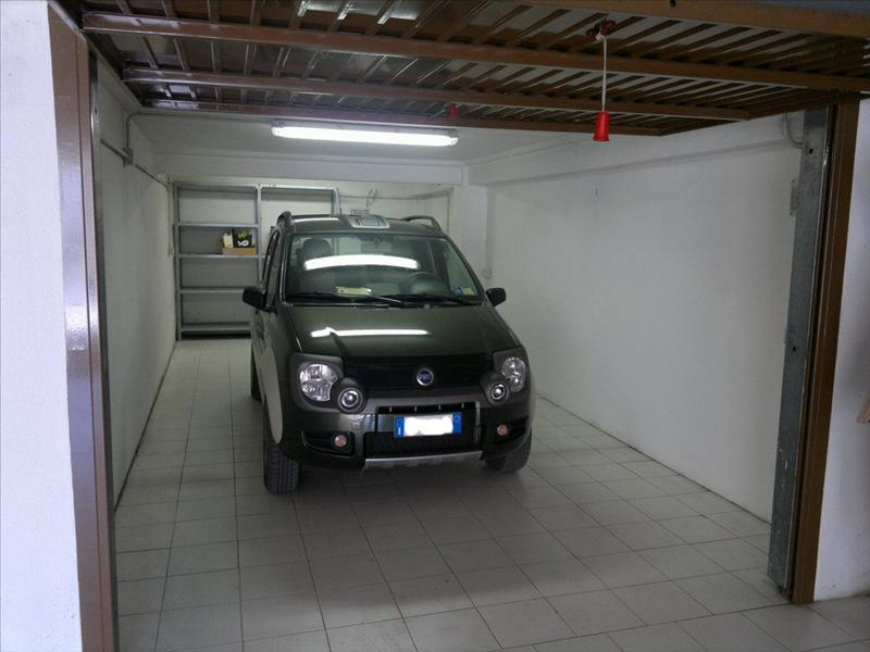 Garage box auto in vendita a sarteano si cod ga3 il for Piani di garage in cabina