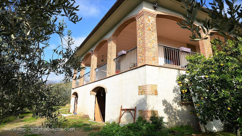 Villa singola in Vendita Magliano in Toscana