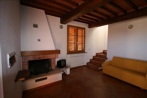 Soluzione Indipendente in affitto a Sinalunga, 2 locali, prezzo € 600 | Cambio Casa.it