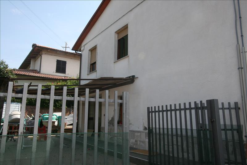 Soluzione Indipendente in vendita a Foiano della Chiana, 4 locali, prezzo € 150.000 | Cambio Casa.it