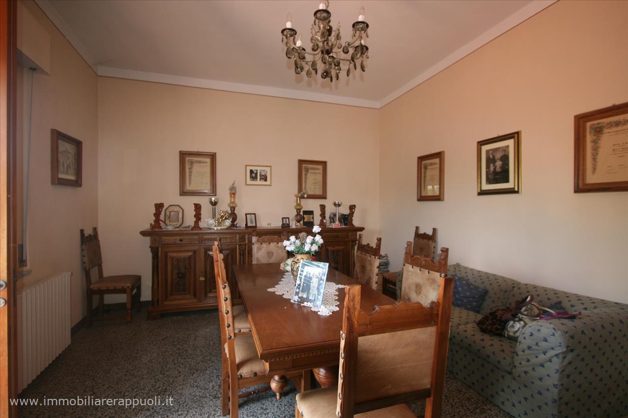 A Sinalunga Villa a Schiera  in Vendita