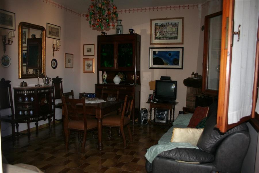 Appartamento in vendita a Sarteano, 2 locali, prezzo € 145.000   Cambio Casa.it