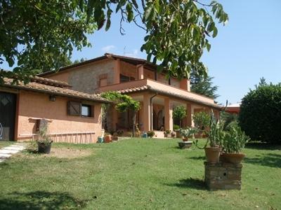 Rustico / Casale in vendita a Chiusi, 9999 locali, Trattative riservate | Cambio Casa.it