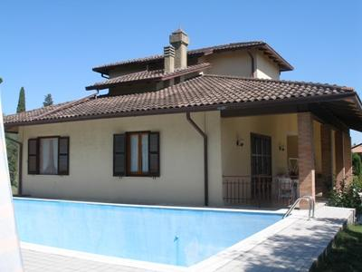 Villa in vendita a Sarteano, 3 locali, prezzo € 720.000 | CambioCasa.it