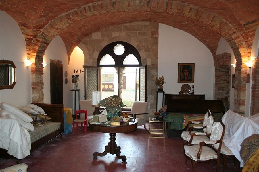 Negozio / Locale in affitto a Sarteano, 9999 locali, Trattative riservate | Cambio Casa.it