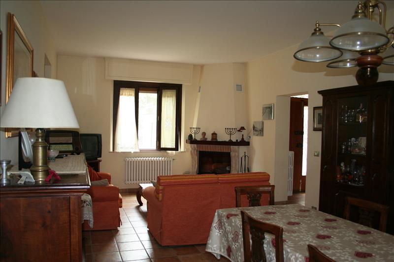 Villa in vendita a Cetona, 4 locali, Trattative riservate | Cambio Casa.it