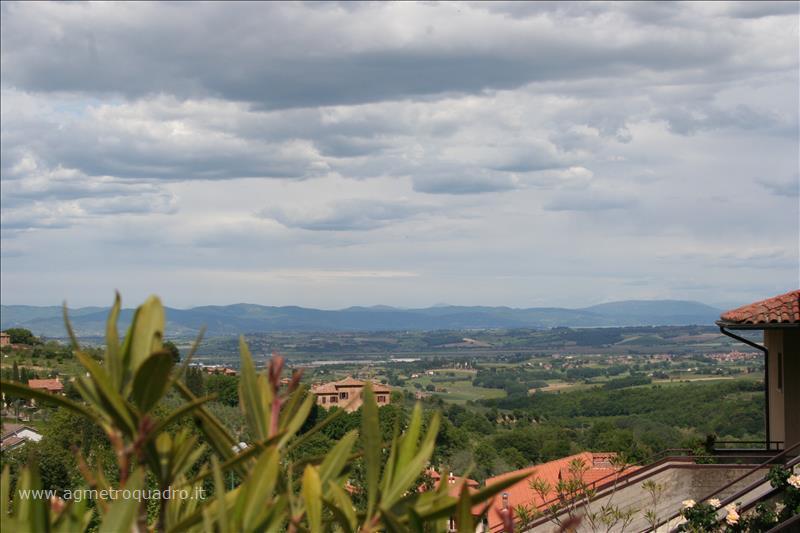 Appartamento in vendita a Montepulciano, 3 locali, prezzo € 210.000 | CambioCasa.it