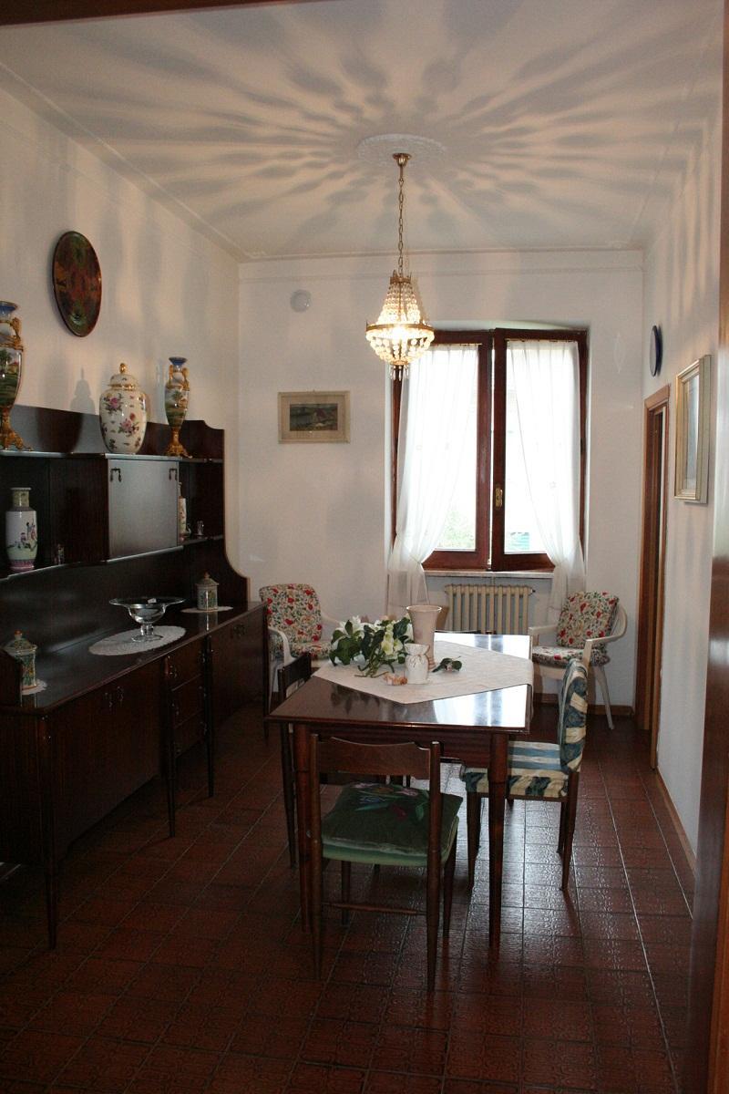 Appartamento in vendita a Chiusi, 2 locali, prezzo € 98.000 | Cambio Casa.it