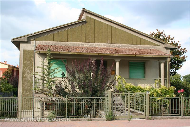 Villa in vendita a Sarteano, 3 locali, Trattative riservate | Cambio Casa.it