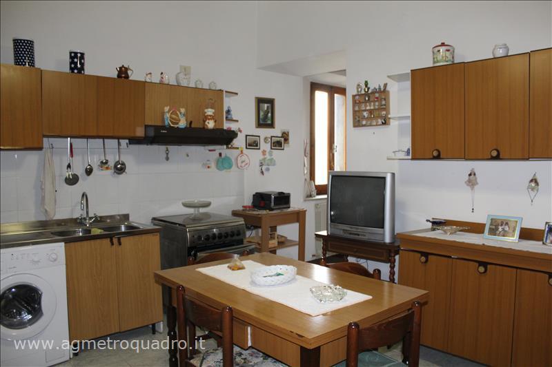 Appartamento in vendita a Sarteano, 2 locali, prezzo € 125.000   Cambio Casa.it