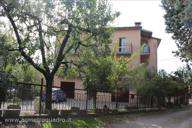Villa in vendita a Città della Pieve, 6 locali, Trattative riservate | Cambio Casa.it