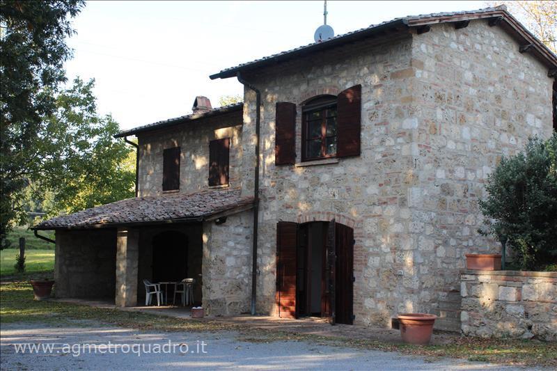 Villa in vendita a Chiusi, 6 locali, Trattative riservate | Cambio Casa.it