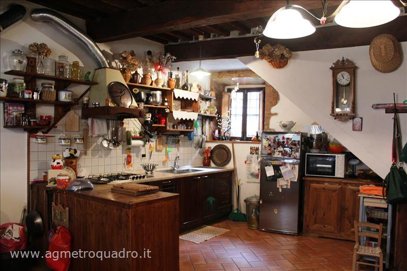 Appartamento in vendita a Sarteano, 1 locali, prezzo € 140.000 | CambioCasa.it