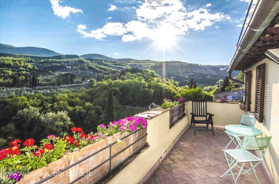 Villa a Schiera in Vendita a Cetona
