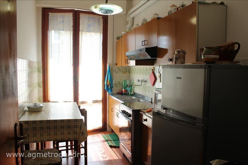 Appartamento in vendita a Sarteano, 2 locali, prezzo € 110.000 | CambioCasa.it