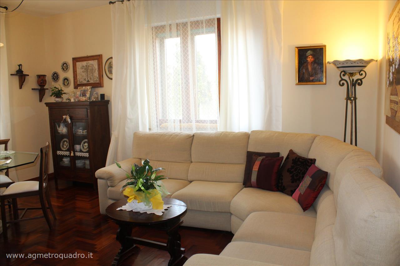 Appartamento in vendita a Chiusi, 2 locali, prezzo € 150.000 | Cambio Casa.it