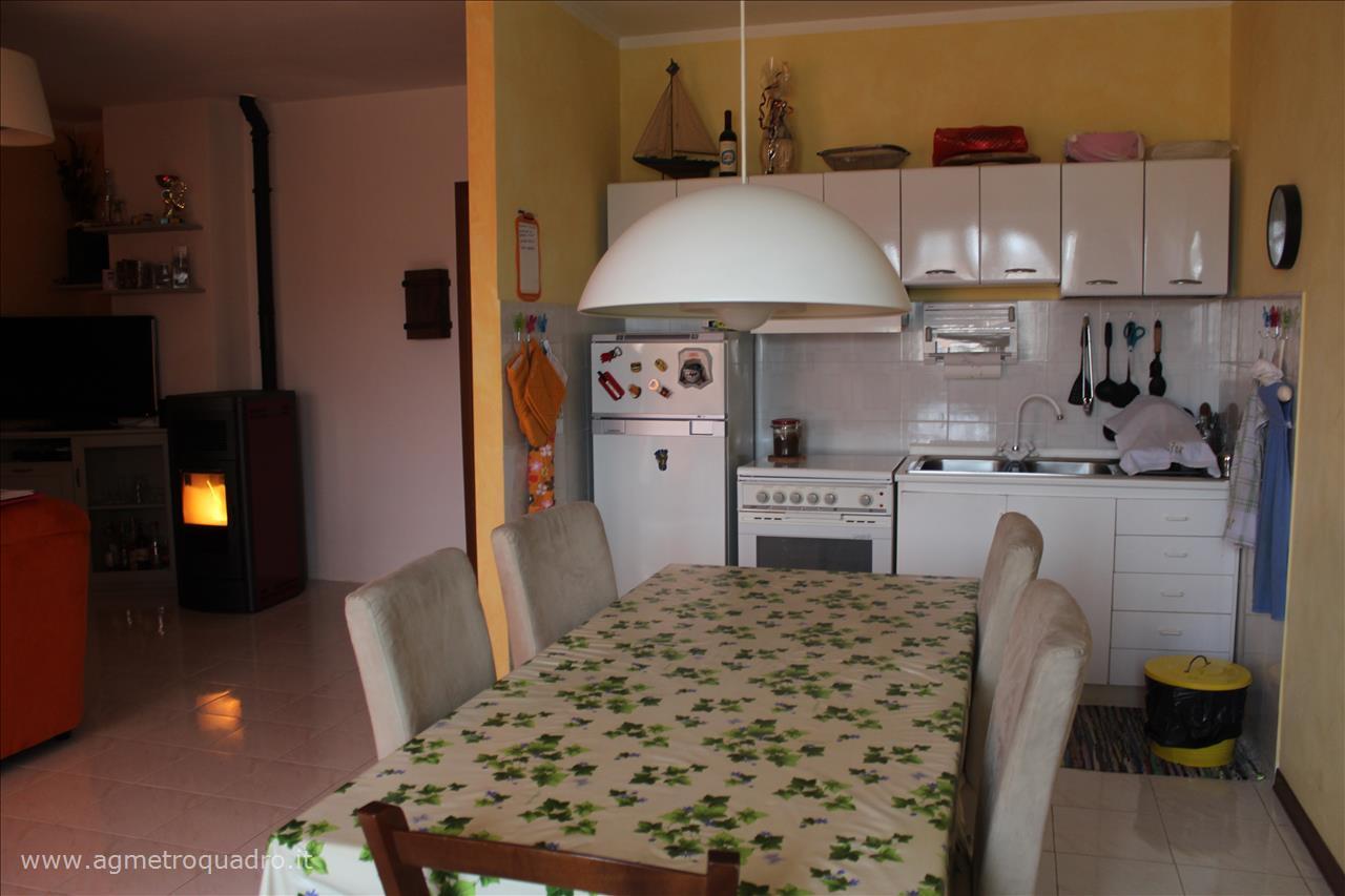 Appartamento in Vendita a Cetona