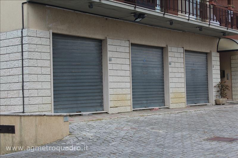 Negozio / Locale in vendita a Chiusi, 9999 locali, prezzo € 140.000 | CambioCasa.it