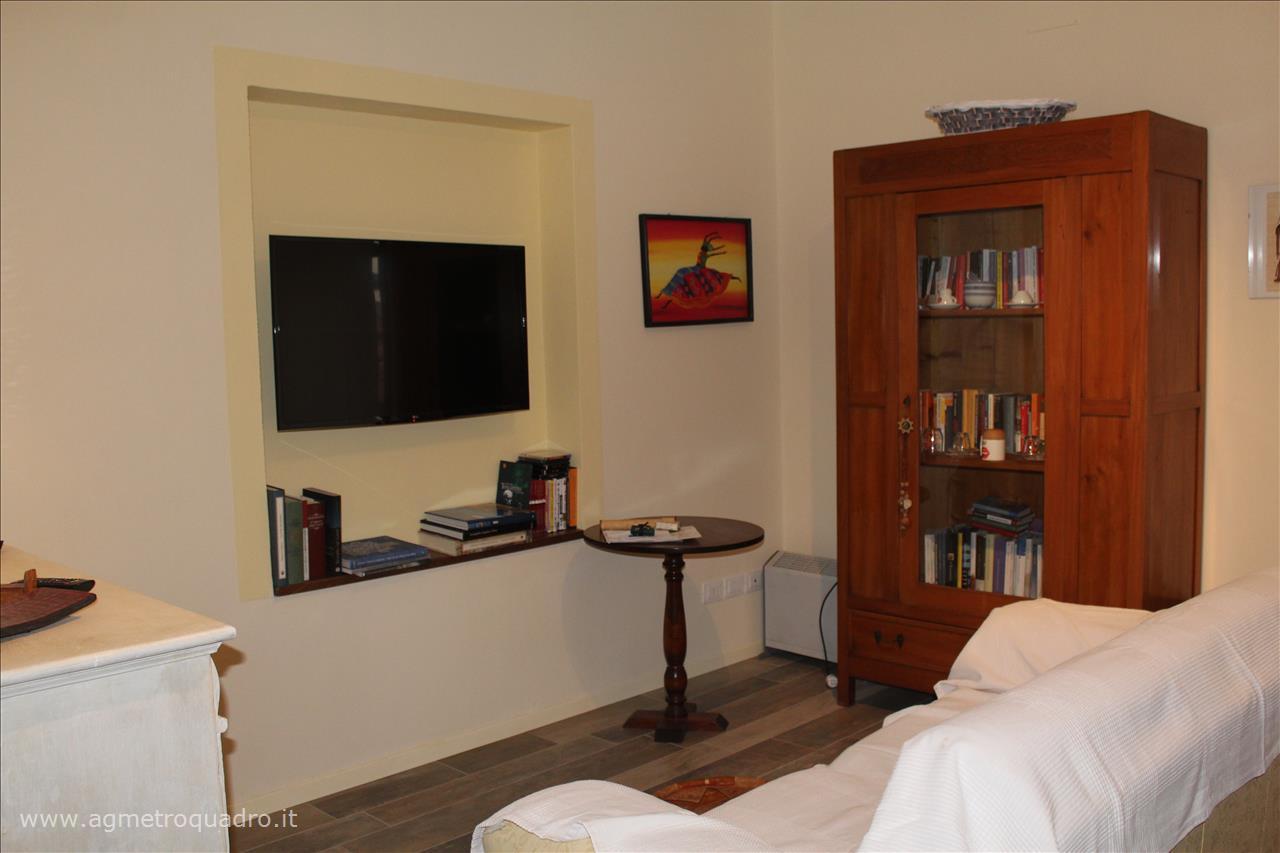 Appartamento in vendita a Sarteano, 2 locali, prezzo € 138.000 | CambioCasa.it