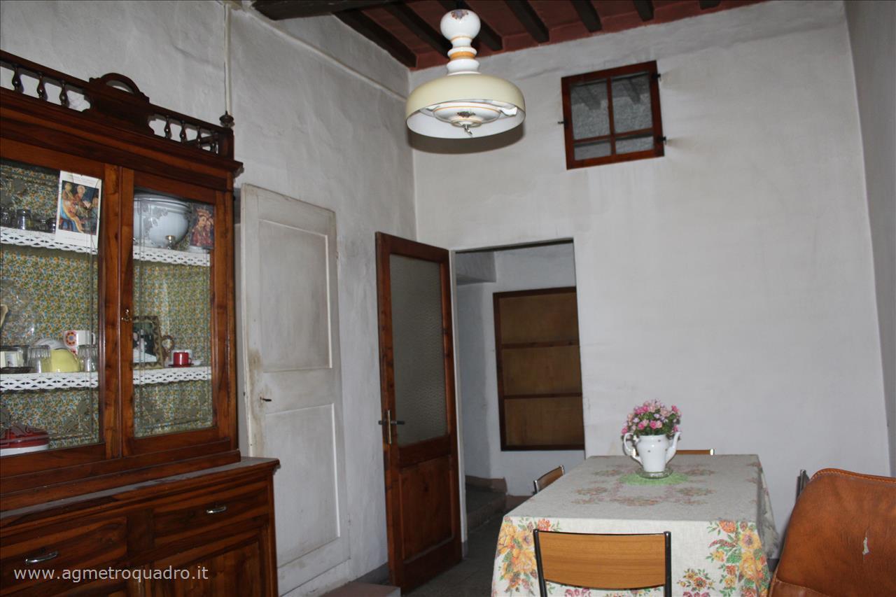 Appartamento in vendita a Sarteano, 2 locali, prezzo € 65.000   CambioCasa.it