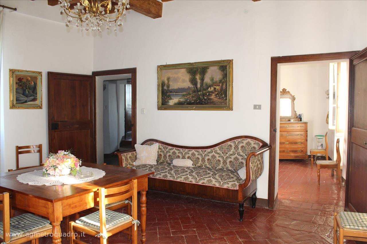 Appartamento in vendita a Sarteano, 3 locali, prezzo € 150.000 | CambioCasa.it