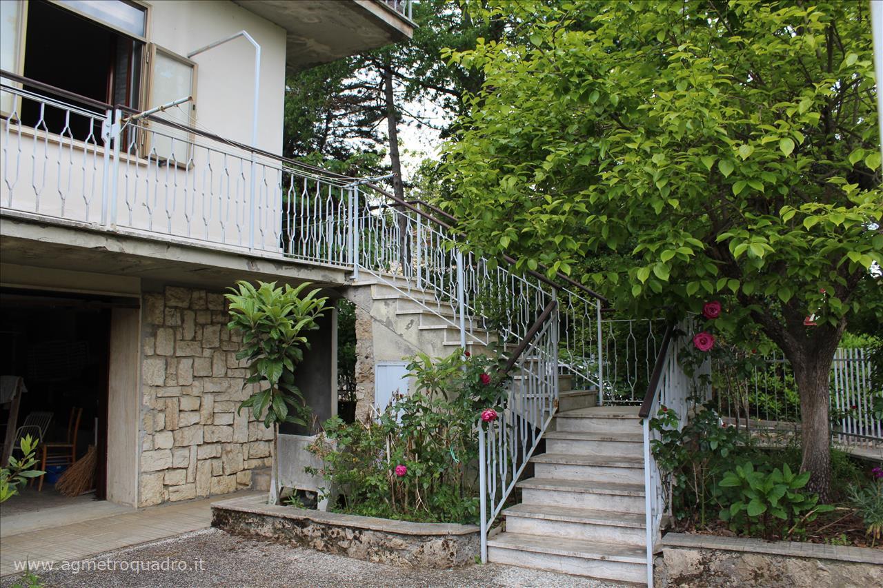 Appartamento in vendita a Sarteano, 2 locali, prezzo € 120.000   CambioCasa.it