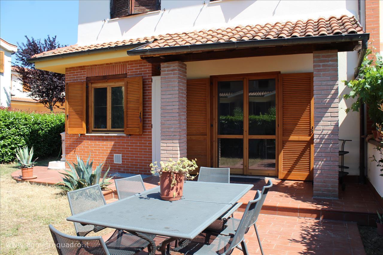 Villa a Schiera in Vendita a Sarteano