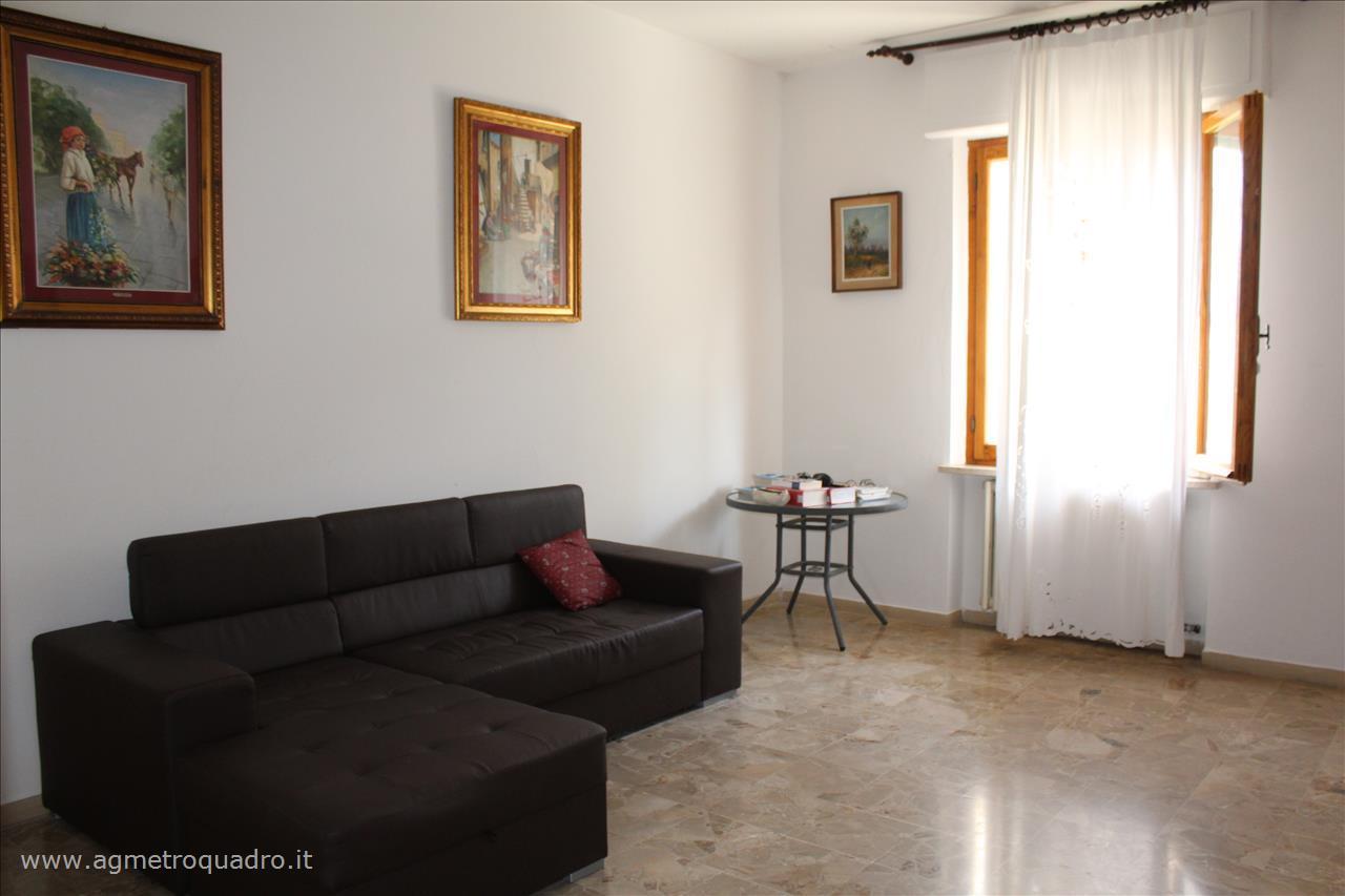 Appartamento in vendita a San Casciano dei Bagni, 2 locali, prezzo € 80.000 | CambioCasa.it