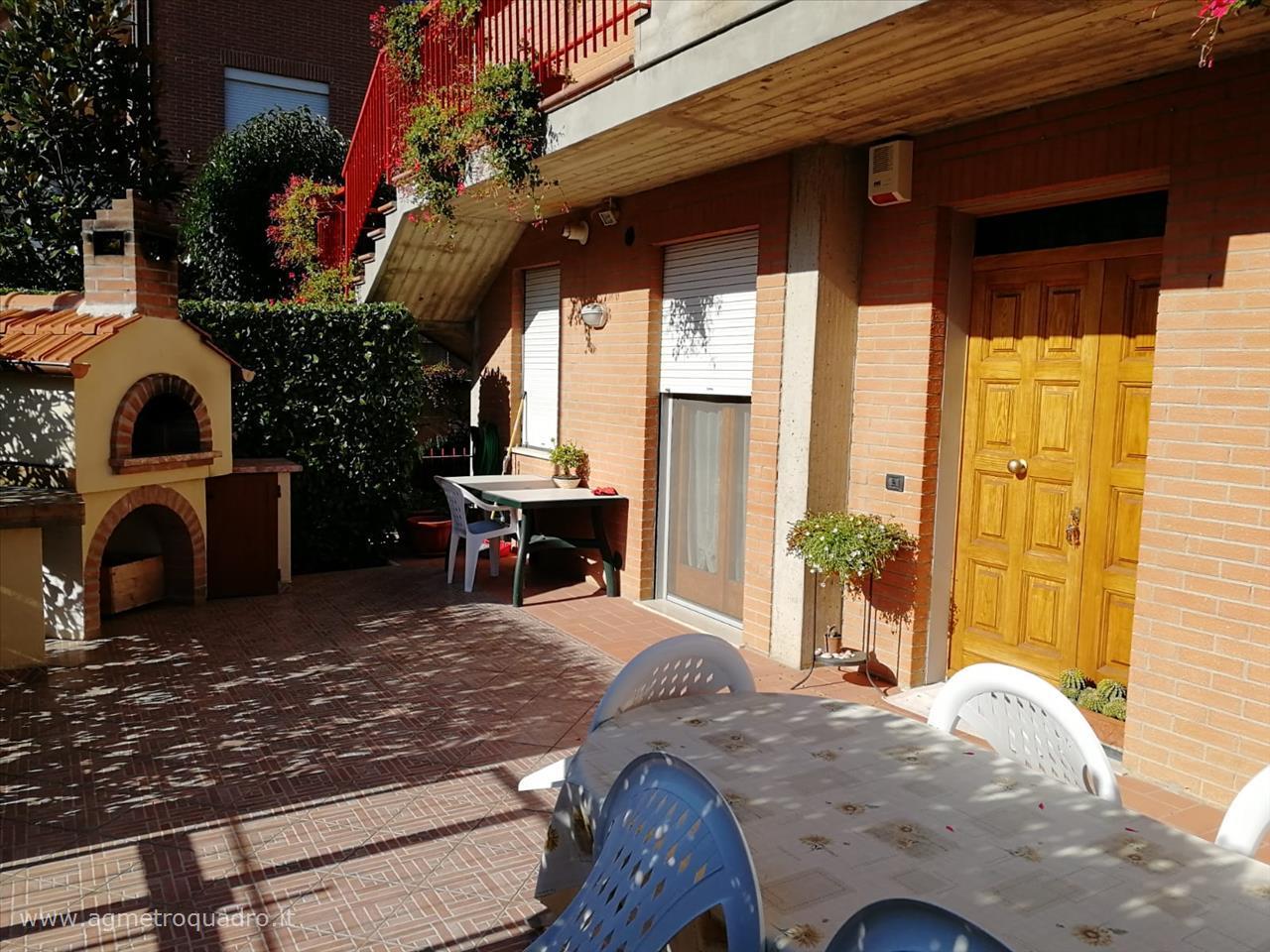 Appartamento in vendita a Montepulciano, 3 locali, prezzo € 175.000 | CambioCasa.it