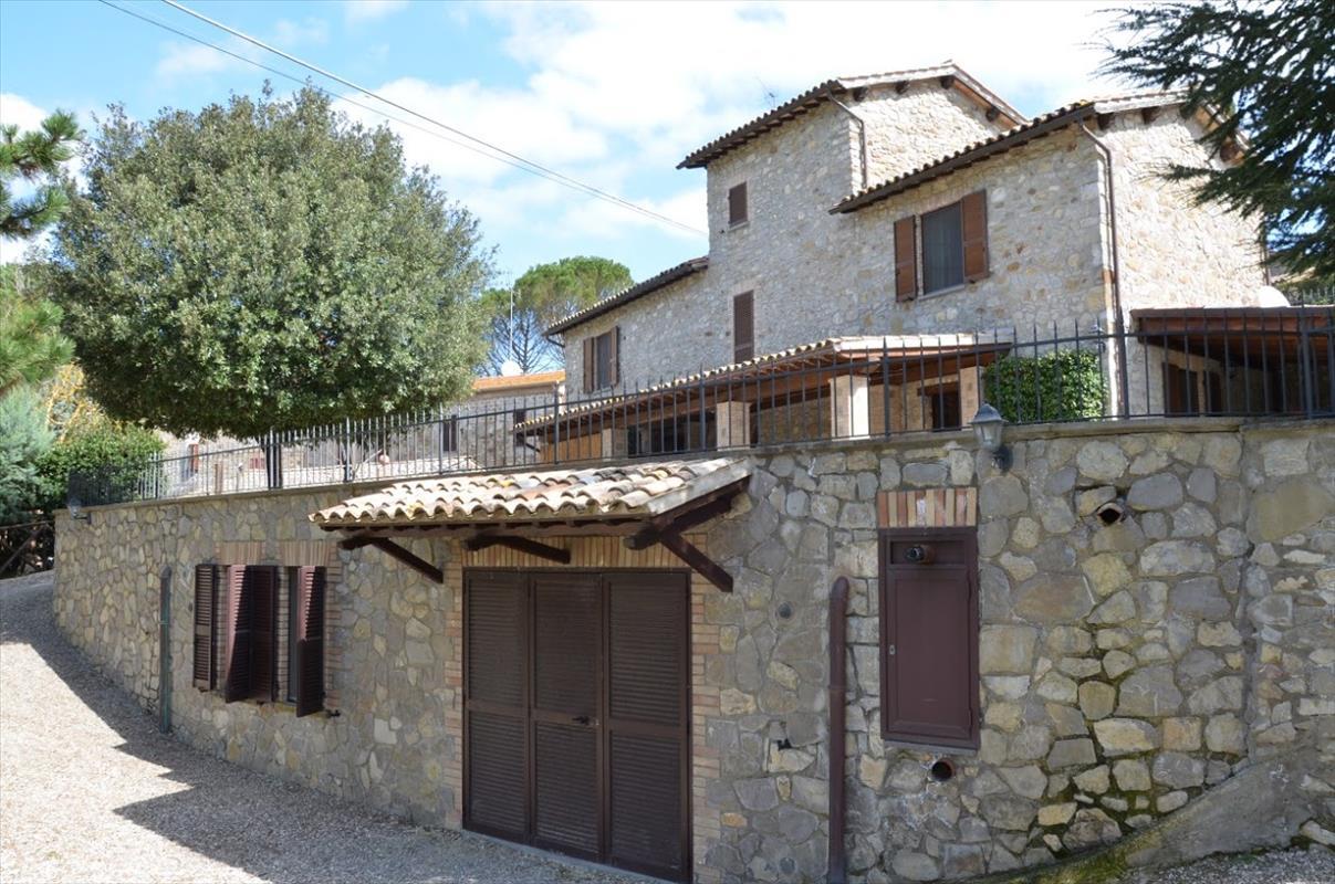 Villa in vendita a Orvieto, 3 locali, prezzo € 560.000 | Cambio Casa.it