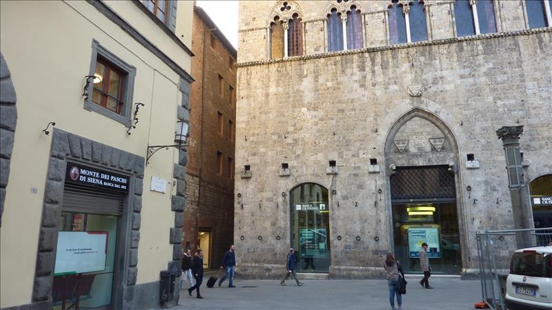 Negozio / Locale in affitto a Siena, 9999 locali, Trattative riservate | Cambio Casa.it