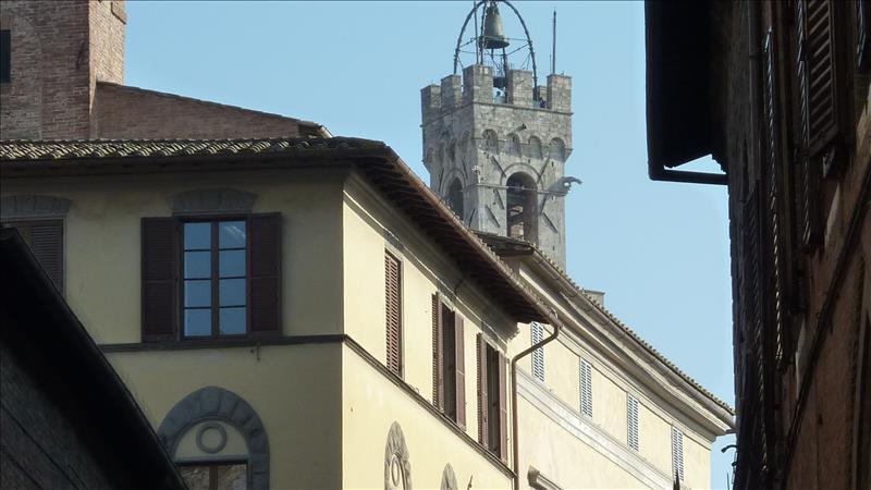 Negozio / Locale in affitto a Siena, 9999 locali, Trattative riservate | CambioCasa.it