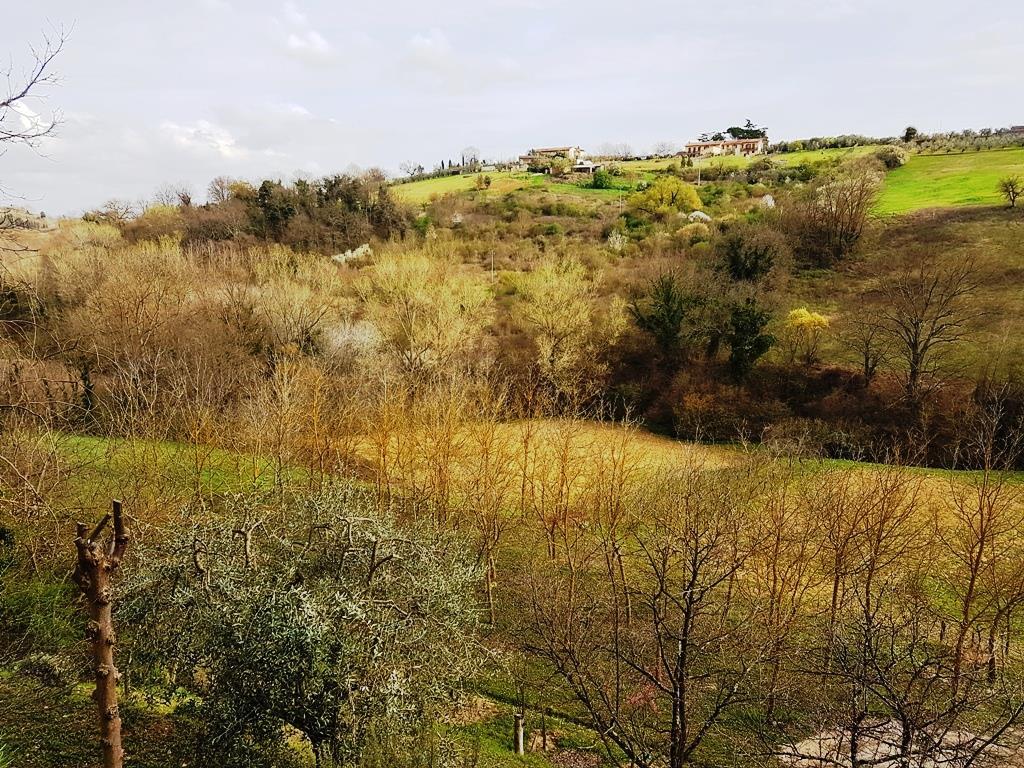 Rustico / Casale in vendita a Colle di Val d'Elsa, 4 locali, prezzo € 250.000 | CambioCasa.it