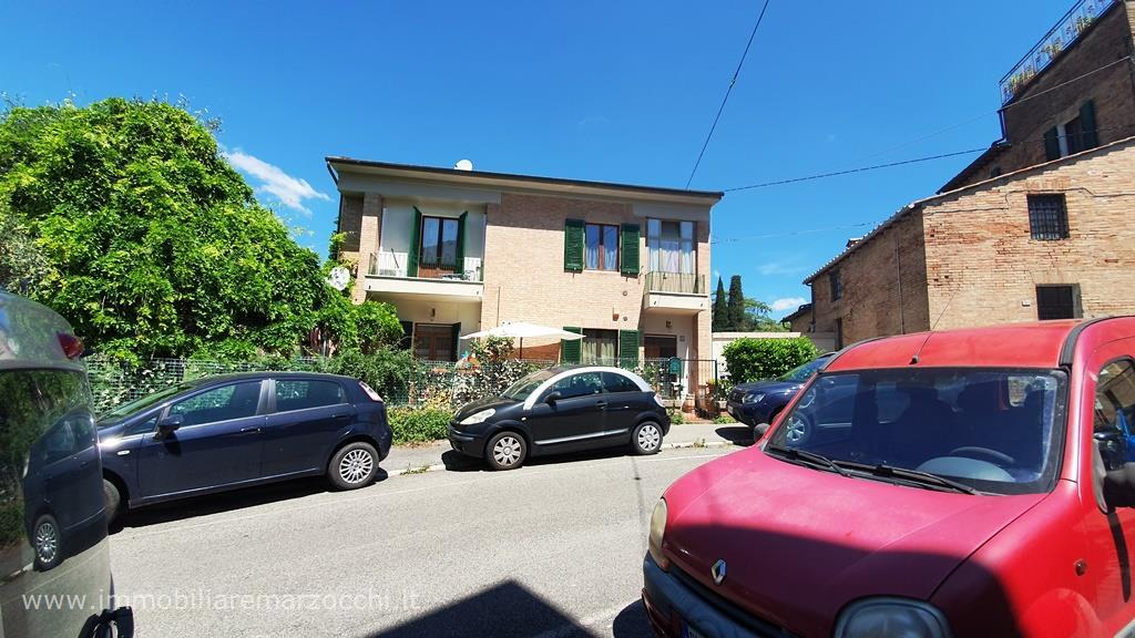 Appartamento in vendita a Siena, 4 locali, prezzo € 585.000 | PortaleAgenzieImmobiliari.it