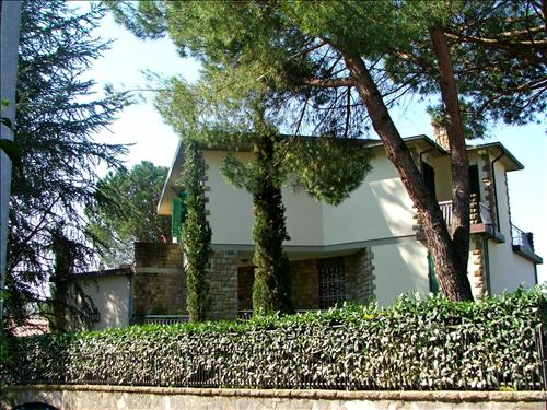 Villa in vendita a Poggibonsi, 6 locali, Trattative riservate | Cambio Casa.it