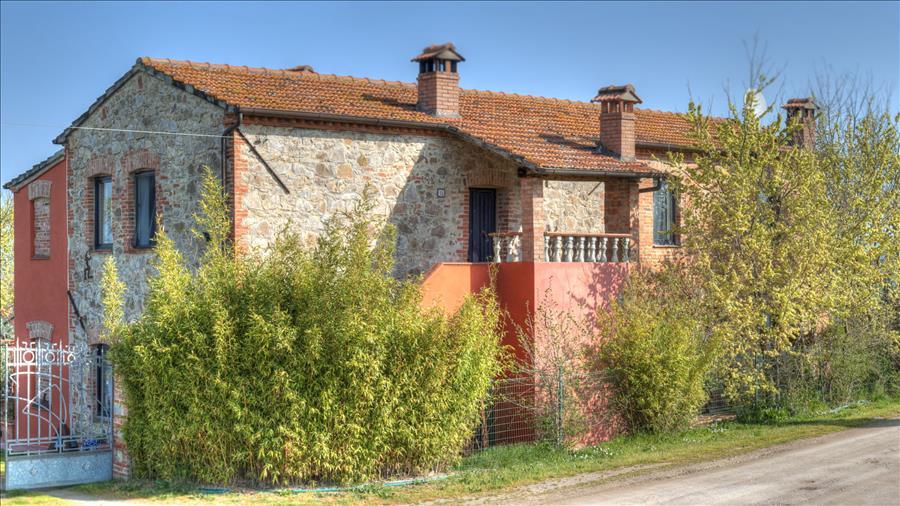 Rustico / Casale in vendita a Castiglione del Lago, 4 locali, prezzo € 460.000 | Cambio Casa.it