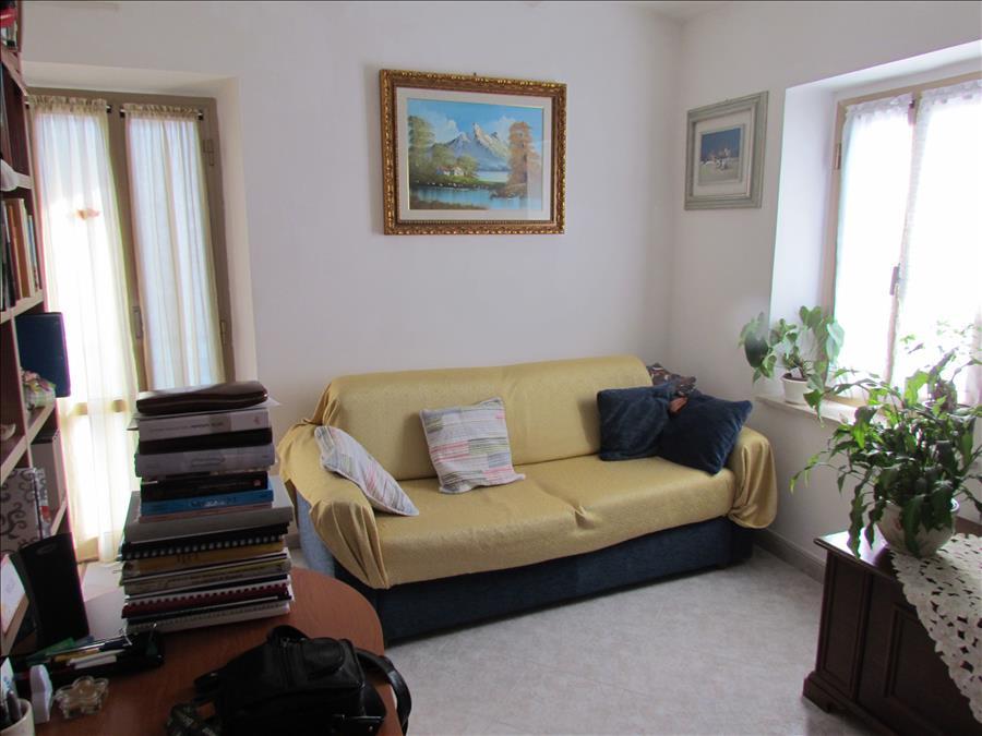 Appartamento in vendita a Magione, 2 locali, prezzo € 75.000   CambioCasa.it