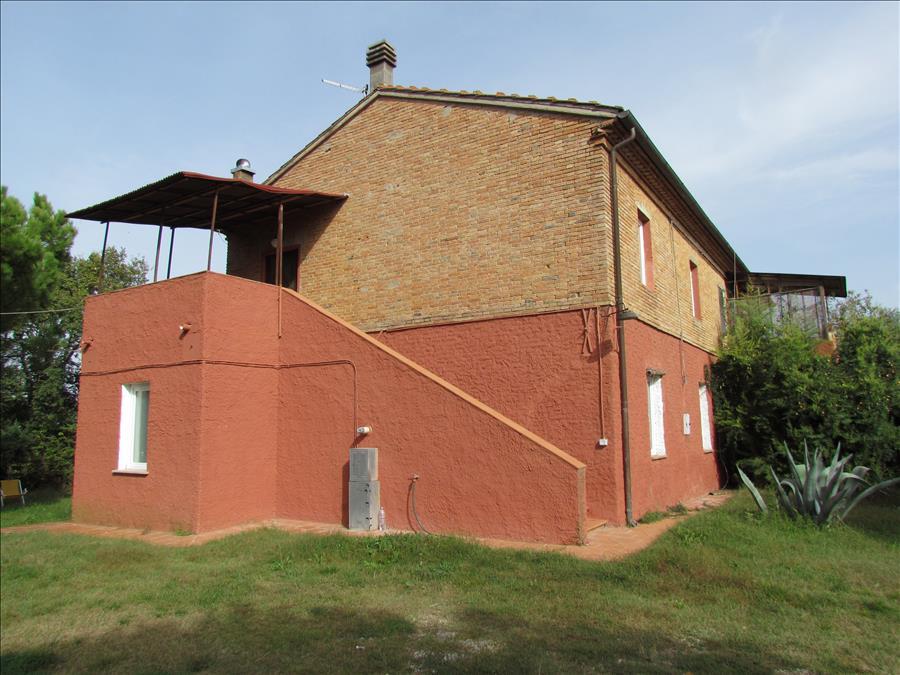 Rustico / Casale in vendita a Castiglione del Lago, 8 locali, prezzo € 420.000 | Cambio Casa.it