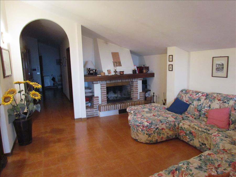 Appartamento in vendita a Castiglione del Lago, 3 locali, prezzo € 95.000 | Cambio Casa.it