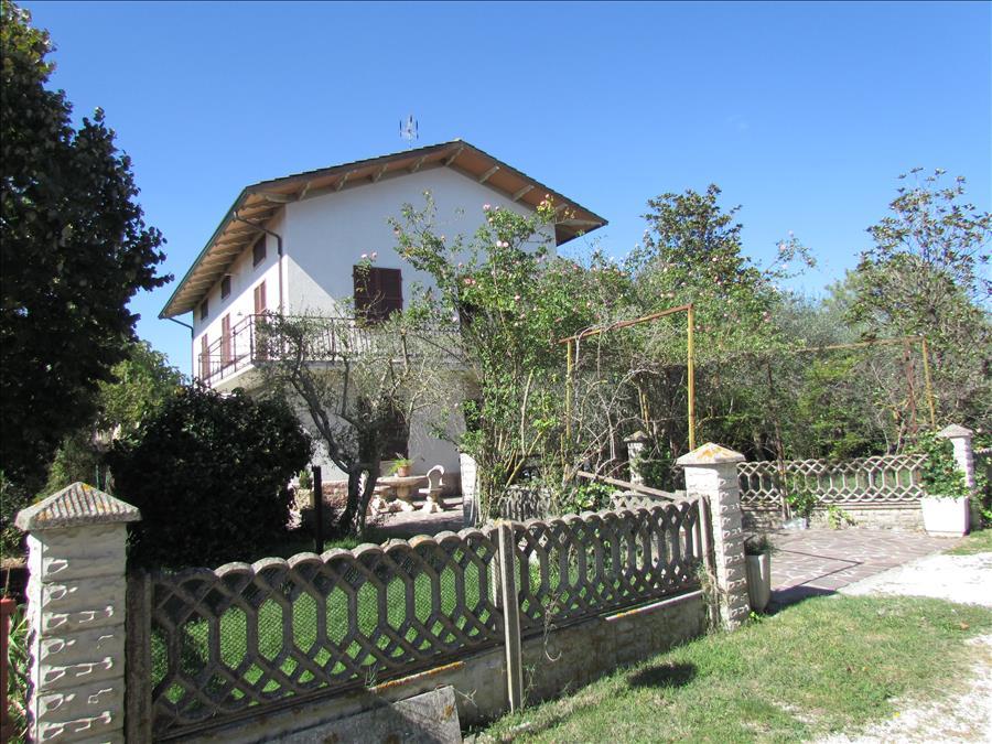Soluzione Indipendente in vendita a Castiglione del Lago, 3 locali, prezzo € 250.000 | Cambio Casa.it