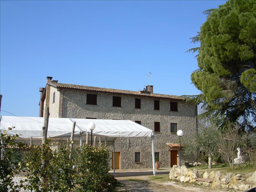Agriturismo in vendita a Fabro, 12 locali, prezzo € 1.800.000 | CambioCasa.it
