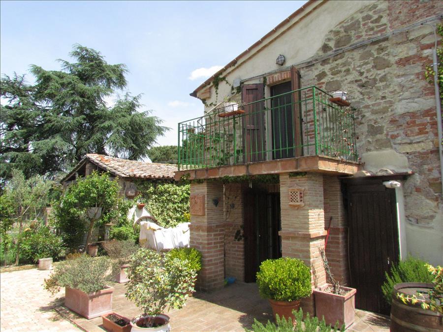 Rustico / Casale in vendita a Castiglione del Lago, 3 locali, prezzo € 280.000 | Cambio Casa.it