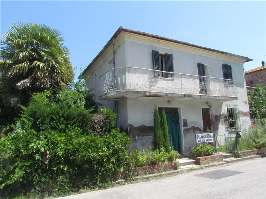 Soluzione Indipendente in vendita a Castiglione del Lago, 2 locali, prezzo € 45.000 | Cambio Casa.it