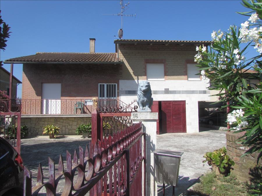 Soluzione Indipendente in vendita a Castiglione del Lago, 2 locali, prezzo € 150.000 | Cambio Casa.it