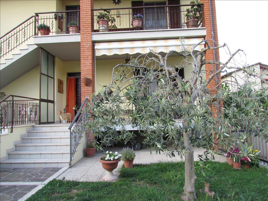 Appartamento in vendita a Castiglione del Lago, 3 locali, prezzo € 230.000 | Cambio Casa.it
