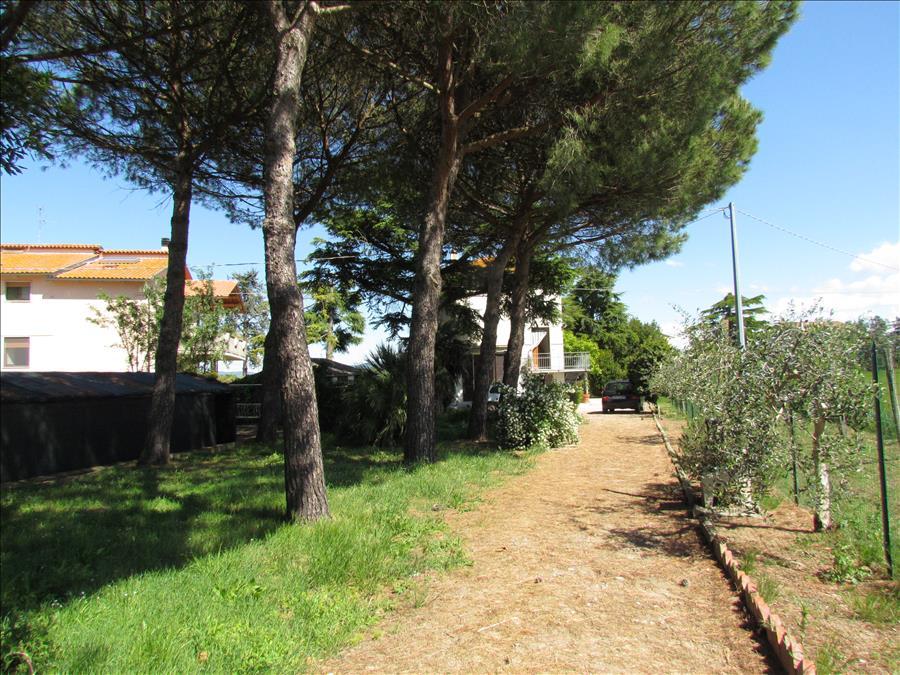 Soluzione Indipendente in vendita a Castiglione del Lago, 5 locali, prezzo € 165.000 | CambioCasa.it