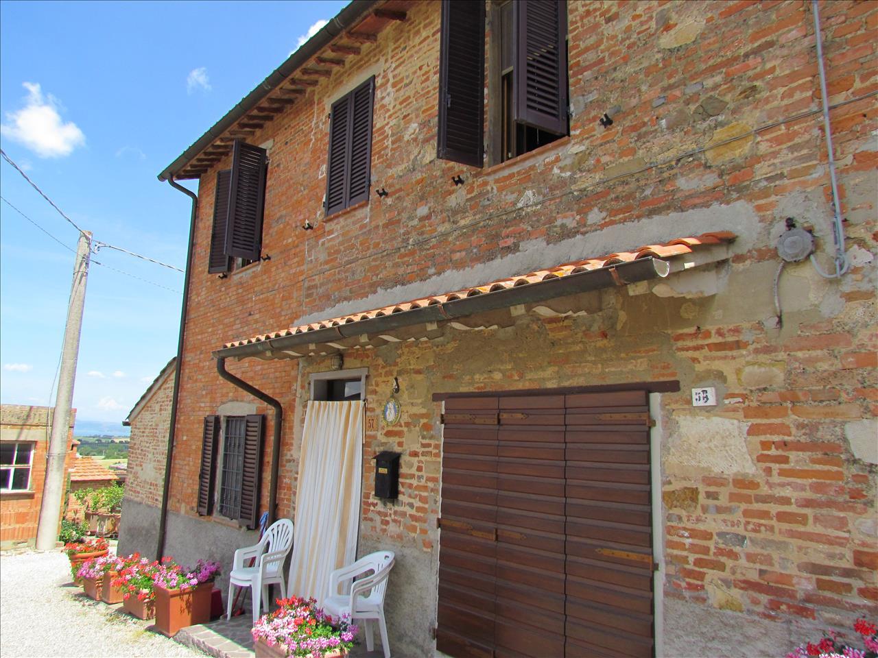 Rustico / Casale in vendita a Castiglione del Lago, 4 locali, prezzo € 150.000 | Cambio Casa.it