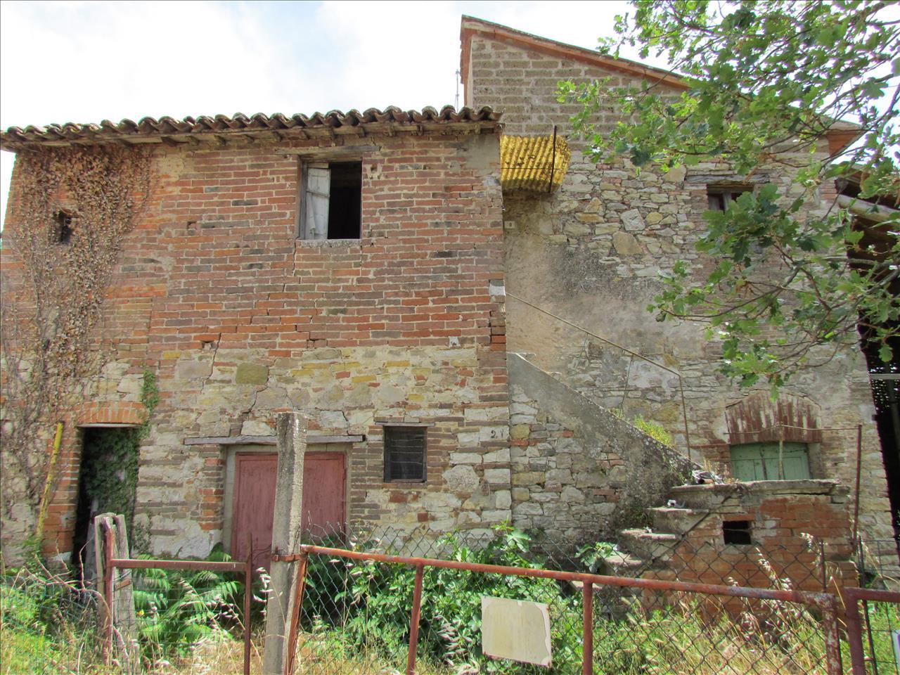 Rustico / Casale in Vendita a Castiglione del Lago
