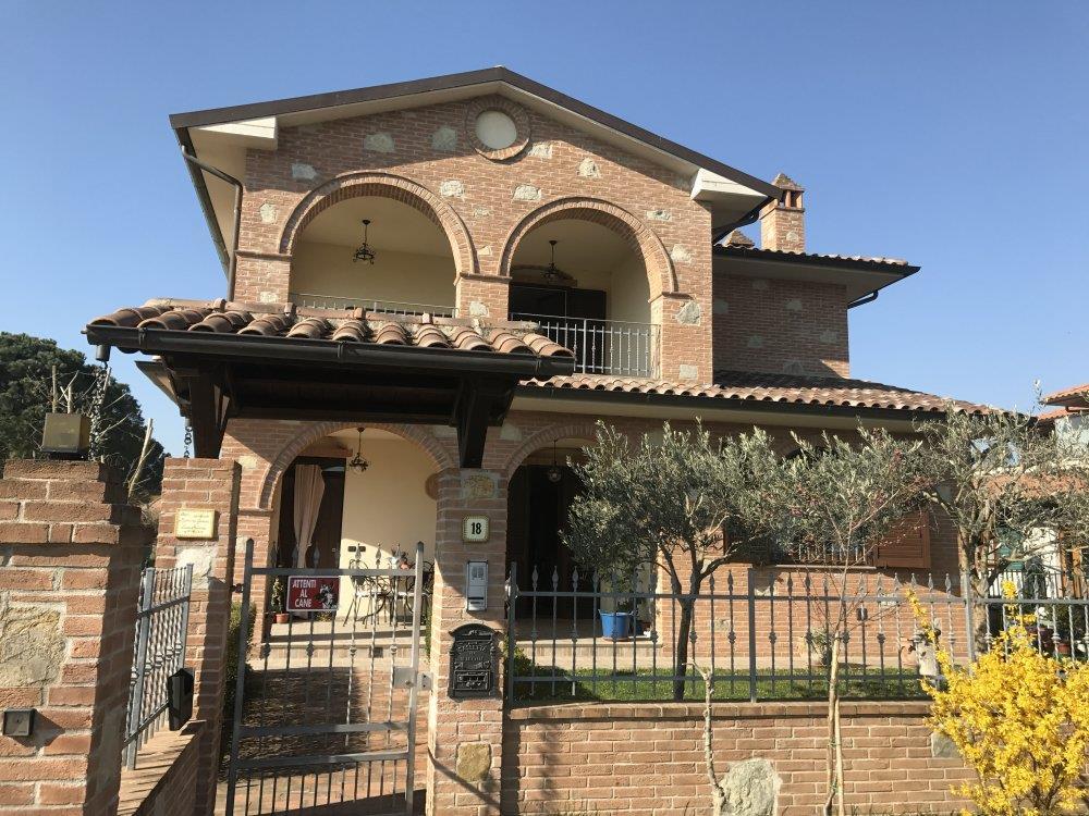 Villa in vendita a Castiglione del Lago, 4 locali, prezzo € 580.000 | CambioCasa.it