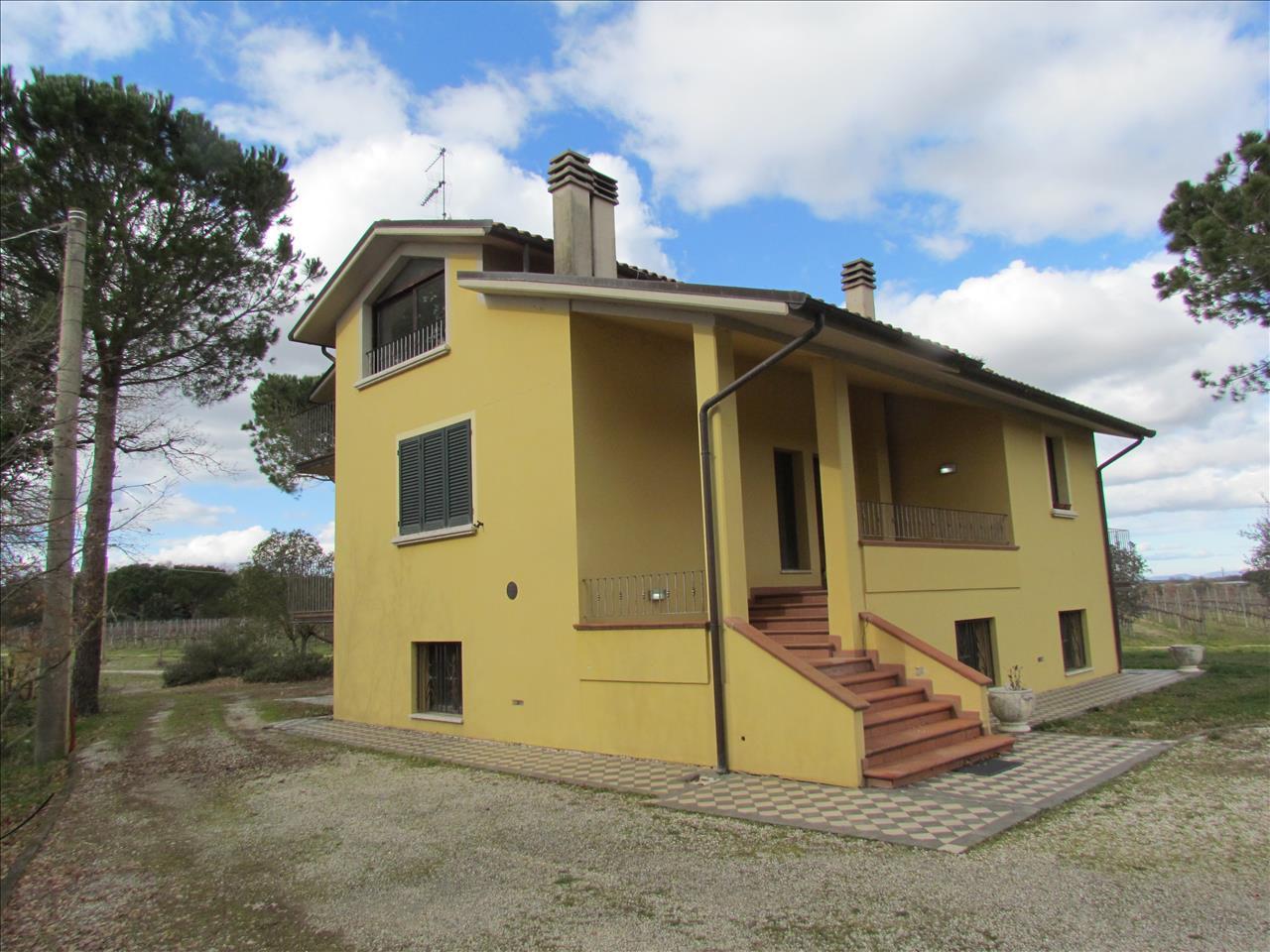 Casa Indipendente in Vendita Cortona